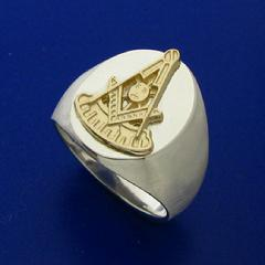 Masonic Past Master ring in two colors of gold